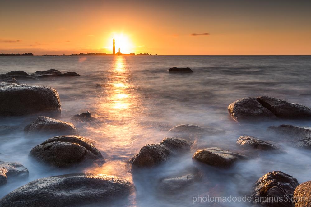 Couché de Soleil sur l' île Vierge II