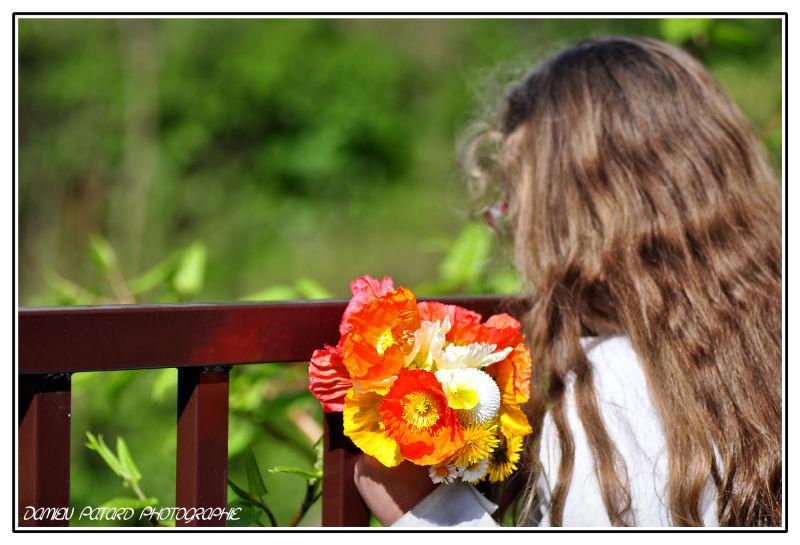 La jeune fille au bouquet