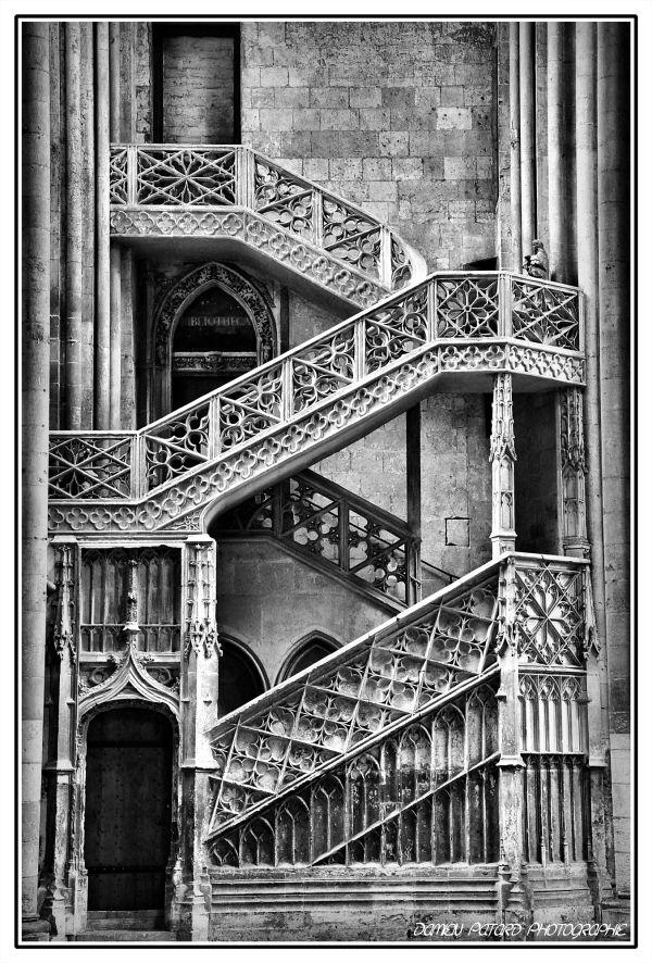 architecture cathédrale rouen gothique escalier