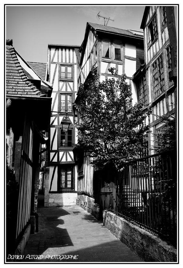 rouen rue médiévale chanoines colombage