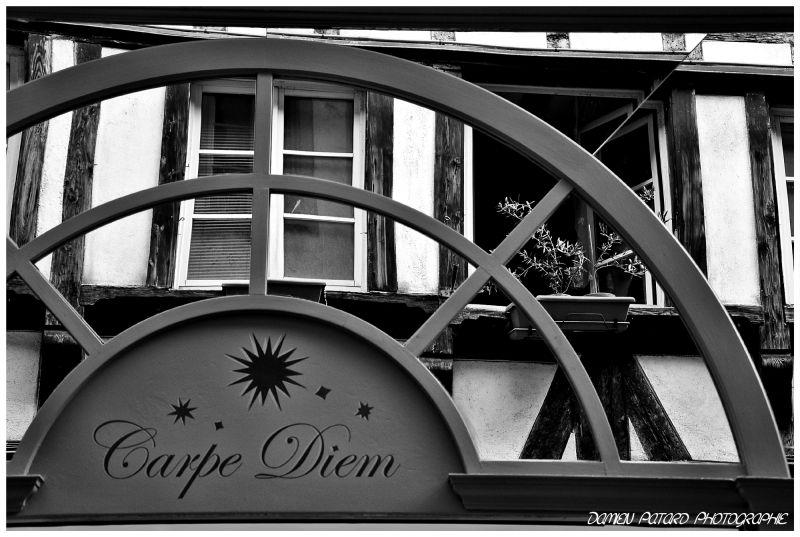 magasin Strasbourg Carpe Diem devanture reflet rue