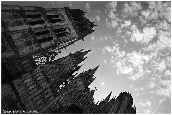 cathédrale Rouen gothique ciel nuage toucher art
