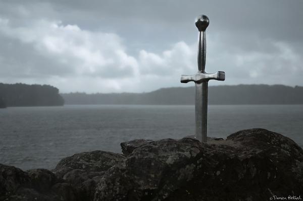 Excalibur Arthur Graal Tremelin épée roche légende