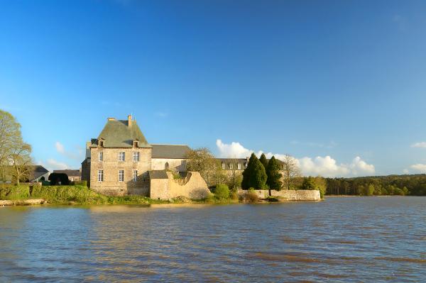 forêt Brocéliande Bretagne abbaye Paimpont lac