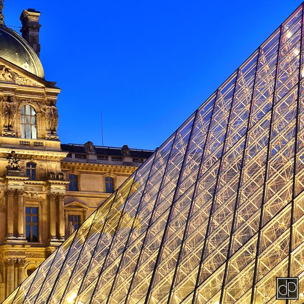 paris louvre pyramide nikon D7000