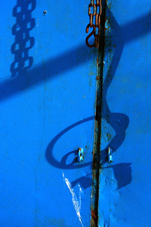blue chains shadow