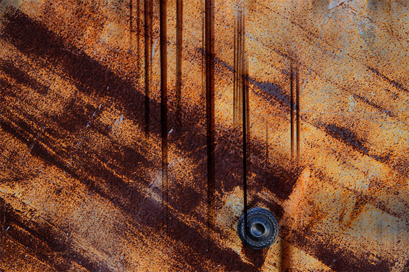 metal rusty door