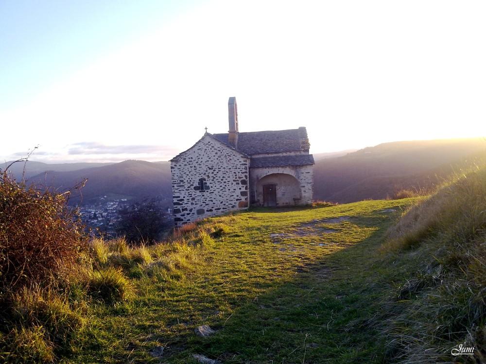 Une porte sur le Cantal
