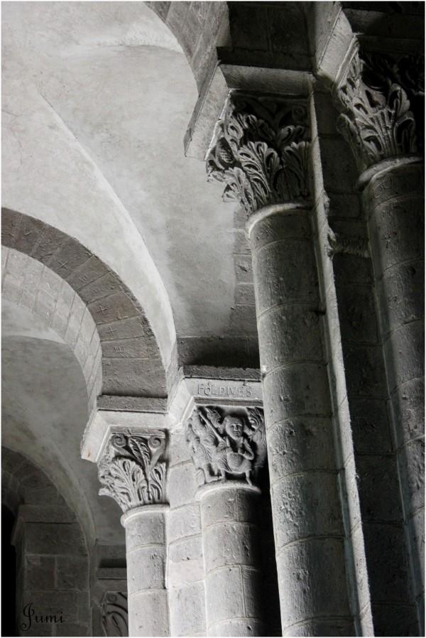 Tout en haut des colonnes