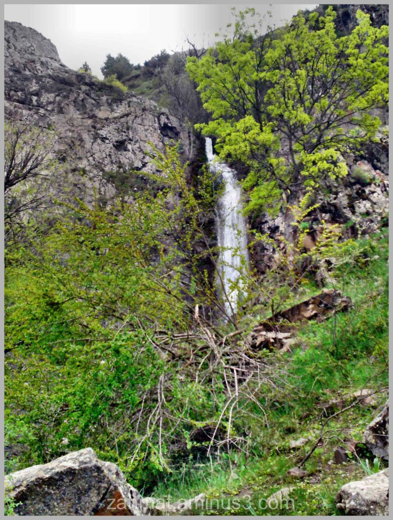 آبشار موسوننی . روستای نوده خورشرستم