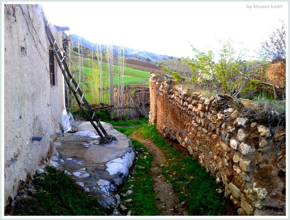 کوچه تنگ روستا