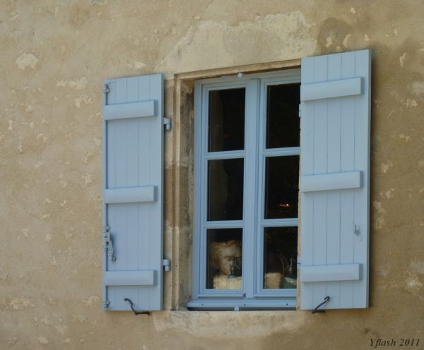 Une fenêtre, un regard