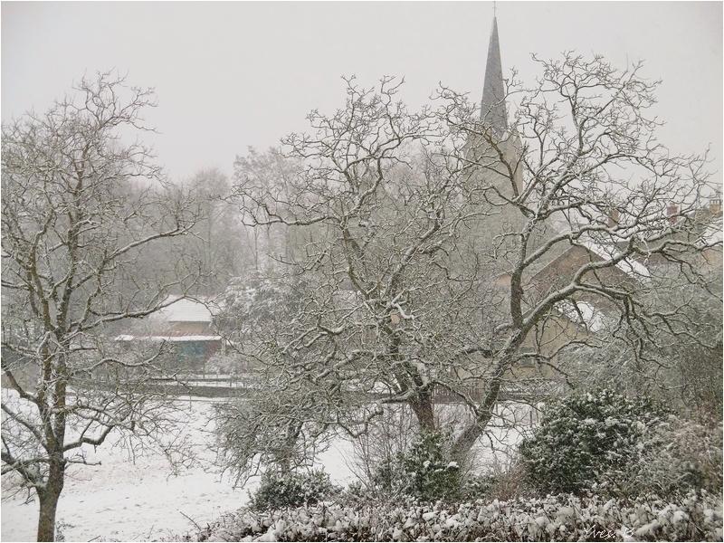 Le clocher sous la neige