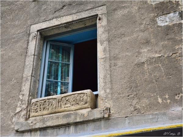 La fenêtre et sa légende