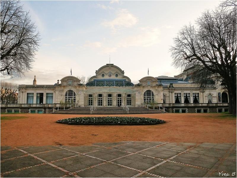Le palais des congrès et l'opéra