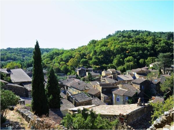 Les toits de St-Montan