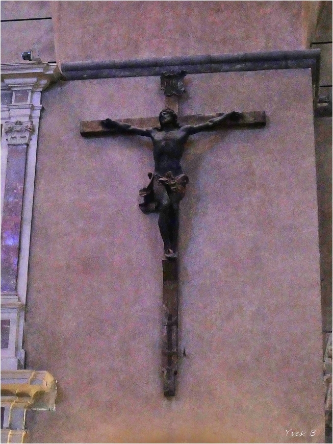Sur la croix