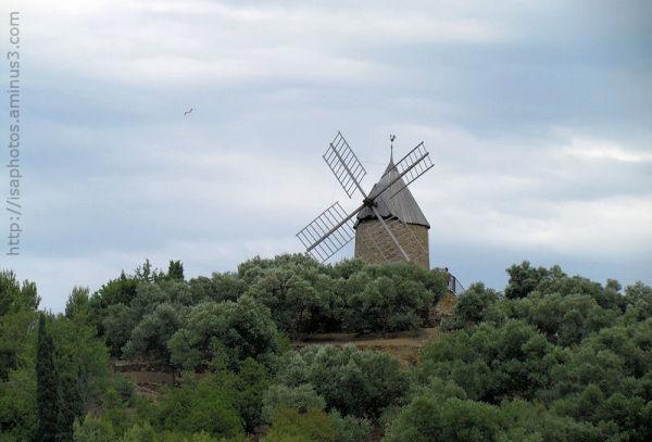Moulin sur la colline Pams