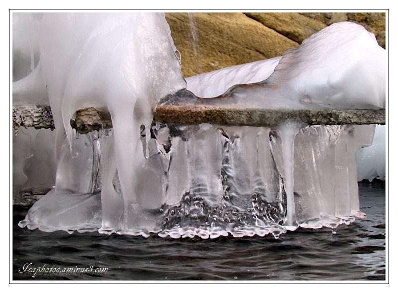 Une fontaine en hiver