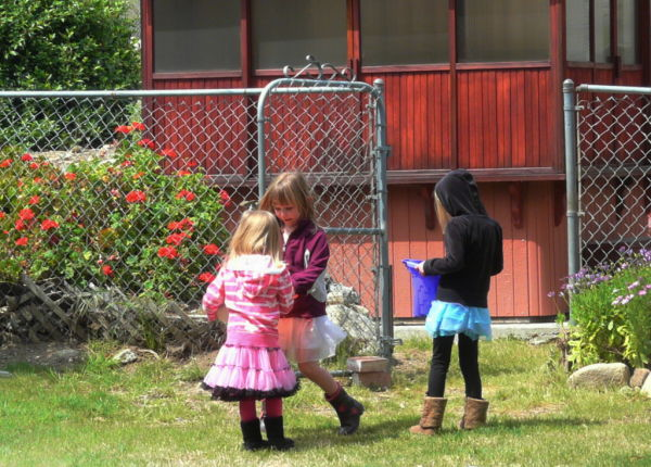 girls playing in yard
