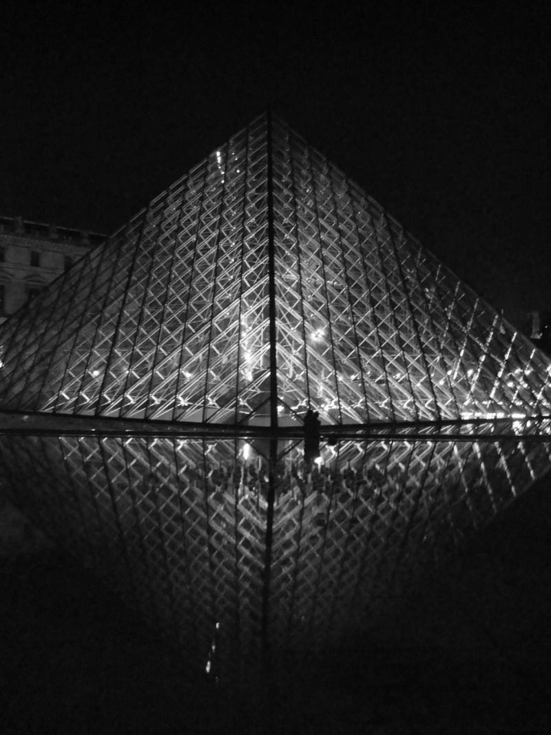 Louvre by night 8/9