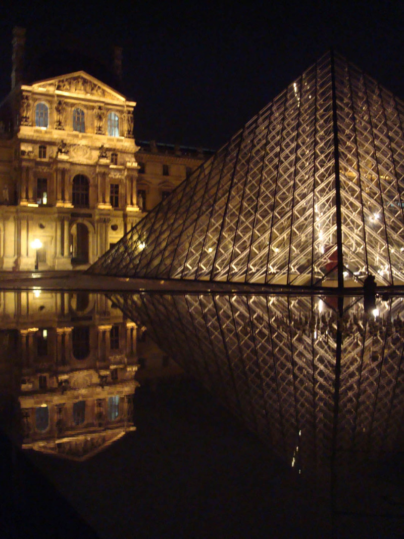 Louvre by night 9/9