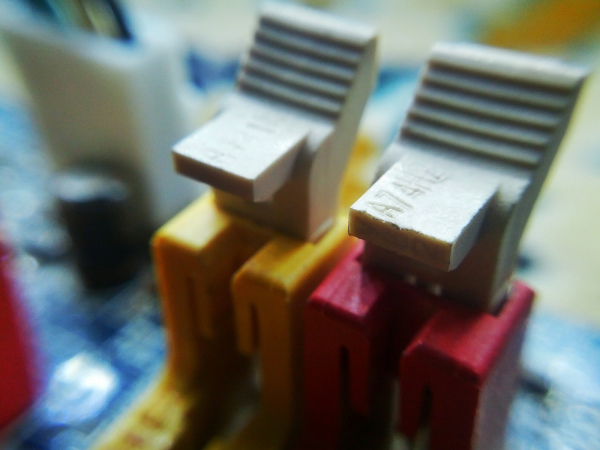 RAM Slots Clips
