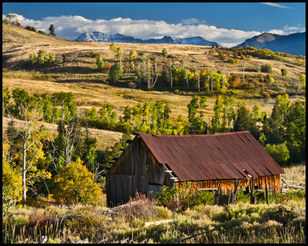 abandoned barn in the San Juan Mountains