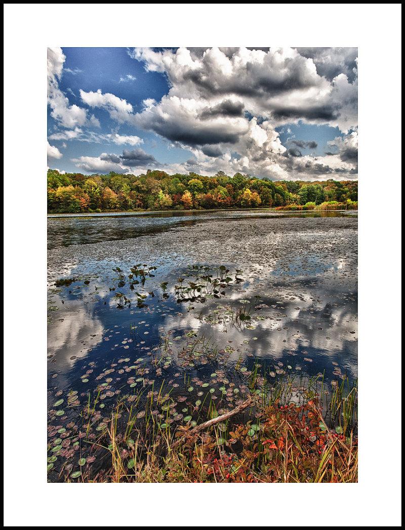 Fall comes to Lake Warren