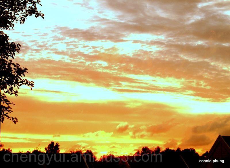 red sunset in gothenburg