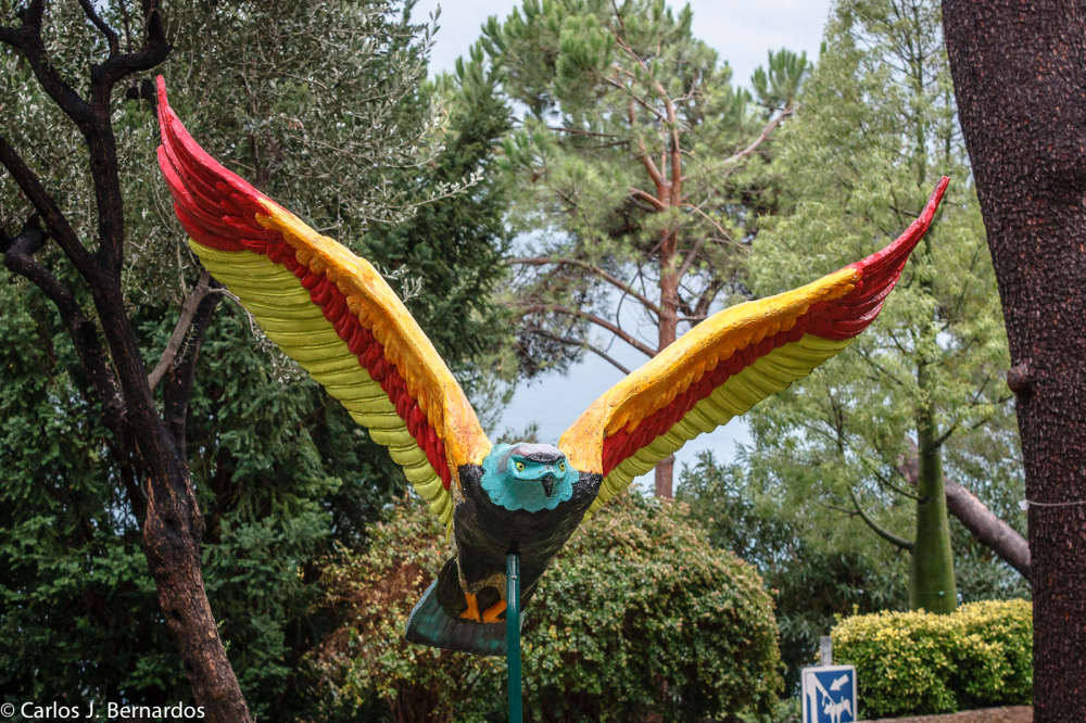 Bird statue in a park in Montecarlo