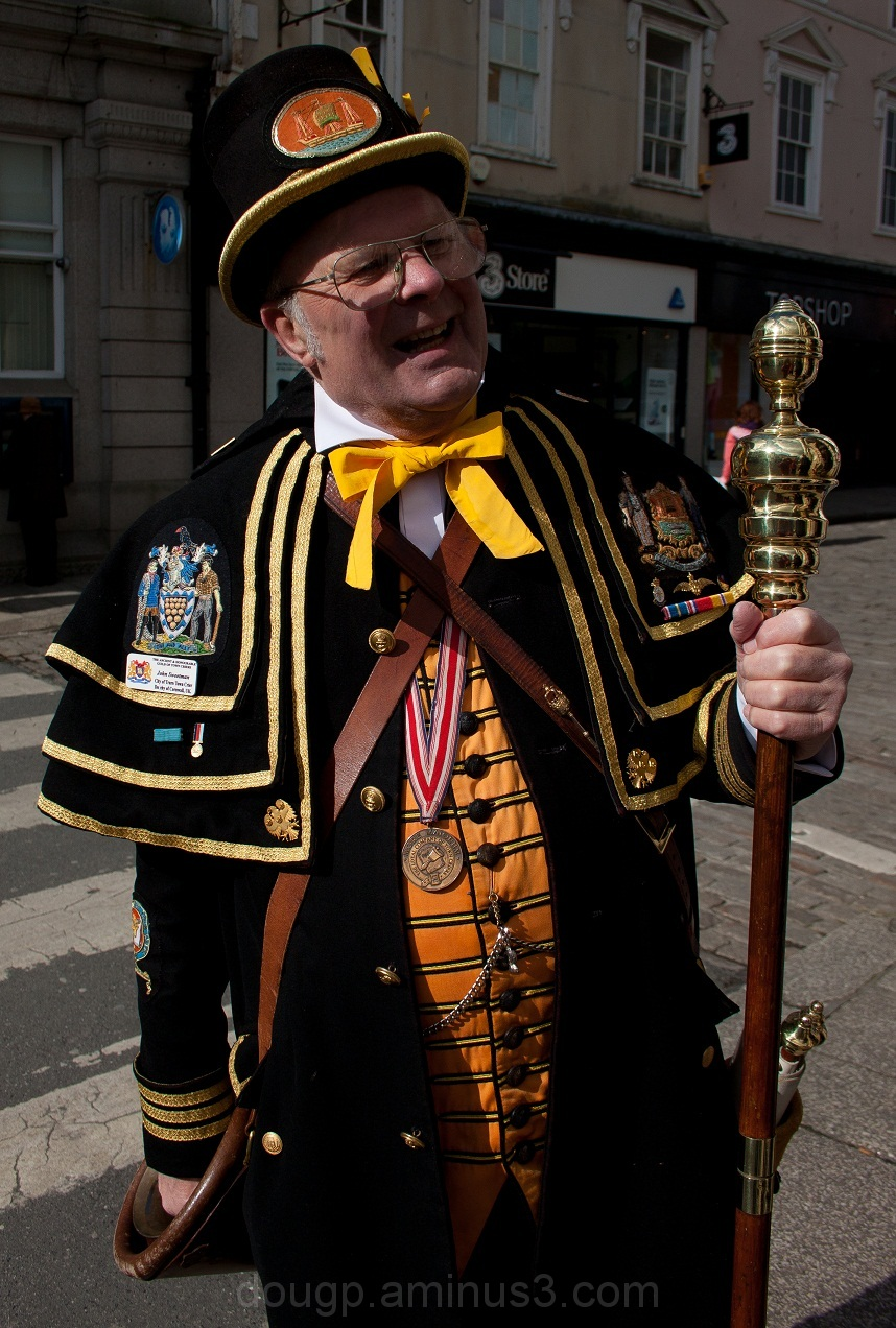 Town Cryer 1