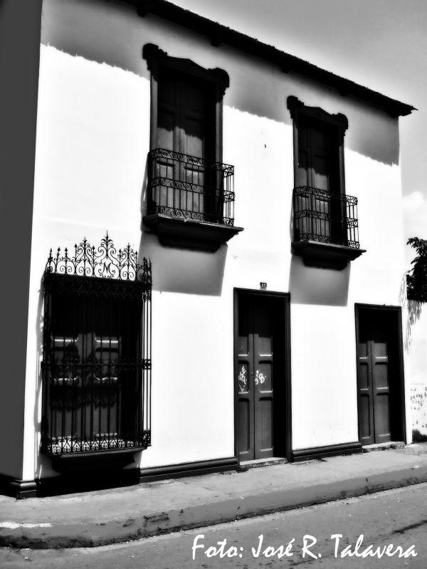 museo carupano fachada puertas ventana