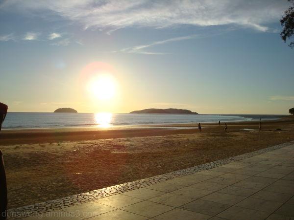 Sunset at Tanjung Aru Beach, Kota Kinabalu, Sabah