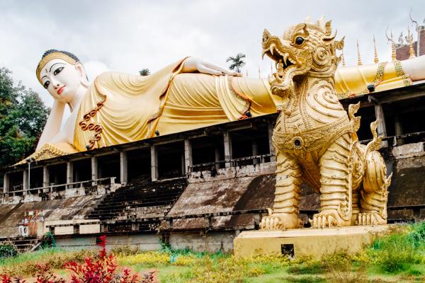 reclining buddha i