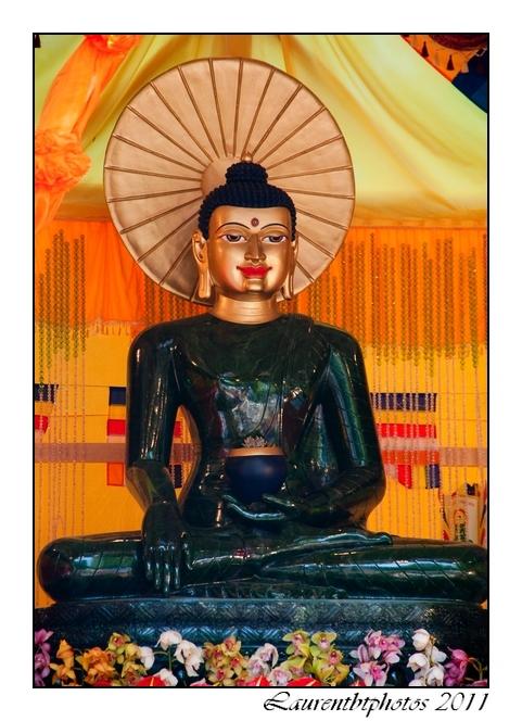 Bouddha, a la Pagode du bois de Vincennes