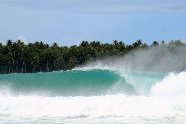 Nias, Indonesia Surfing