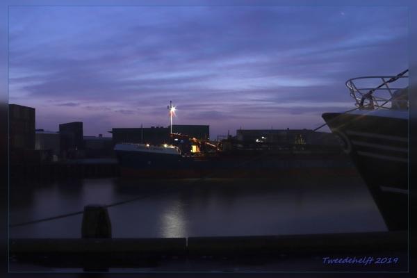 harlingen haven zonsopkomst op zondag