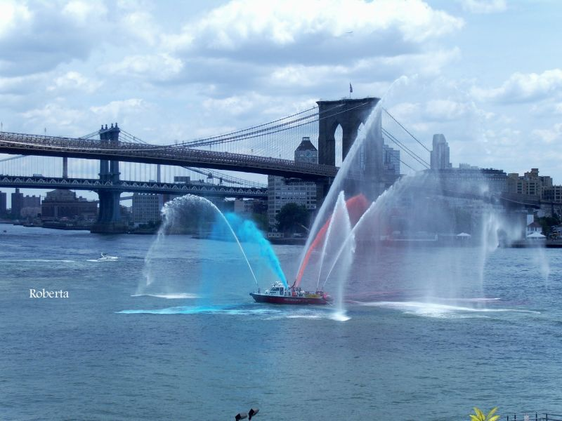 firefighters boat in NYC