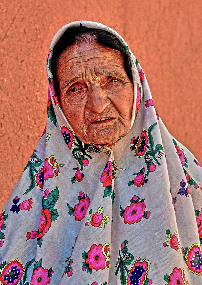 An old woman of Abyaneh - Kashan