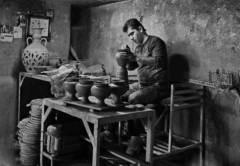 A young potter of Laljin 2 - Hamadan