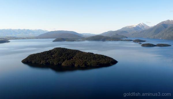 Lake Manapouri - Fiordland 2/4