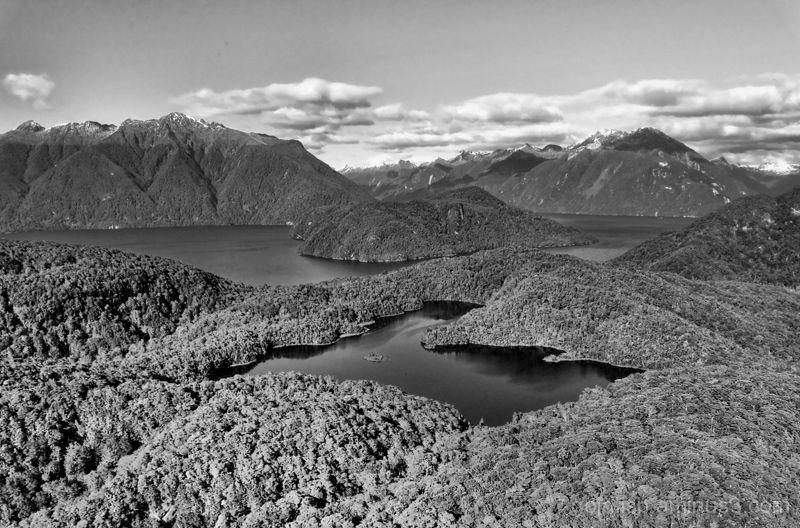 Lake Manapouri - Fiordland 3/4