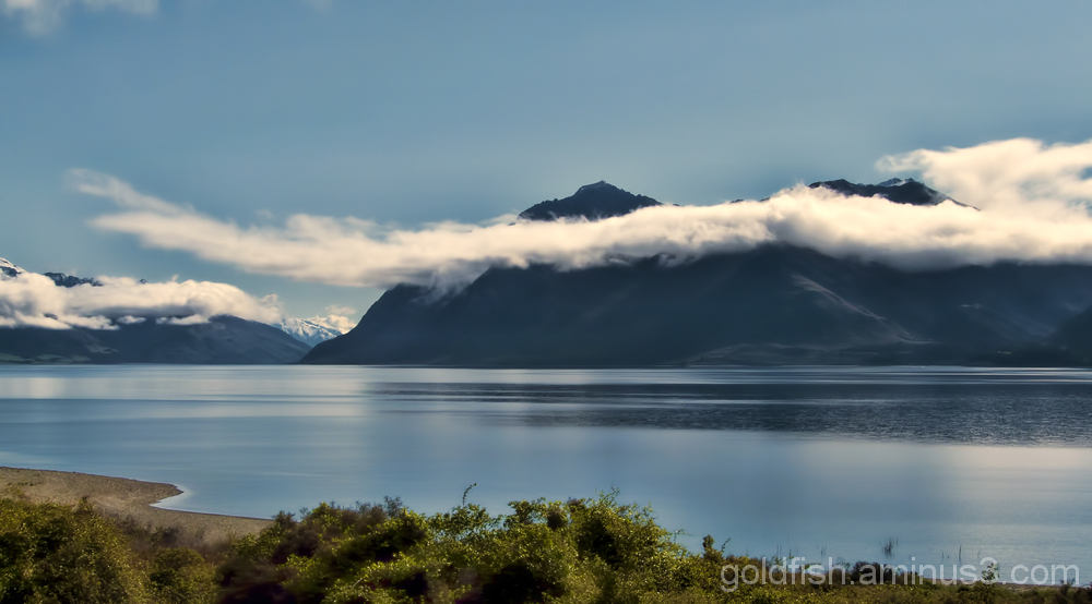 Views across Lake Hawea 2/4