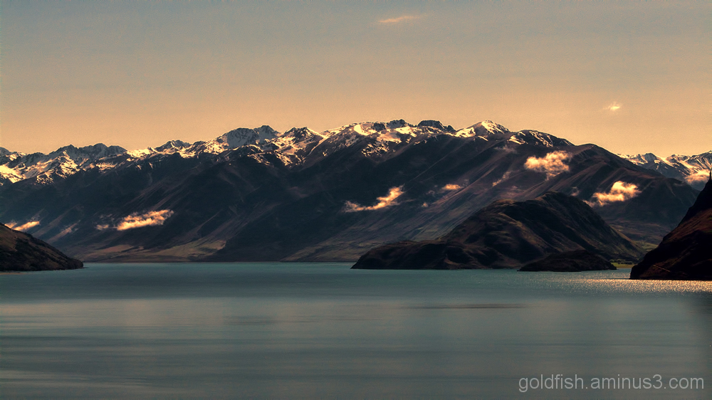 Views across Lake Hawea 4/4