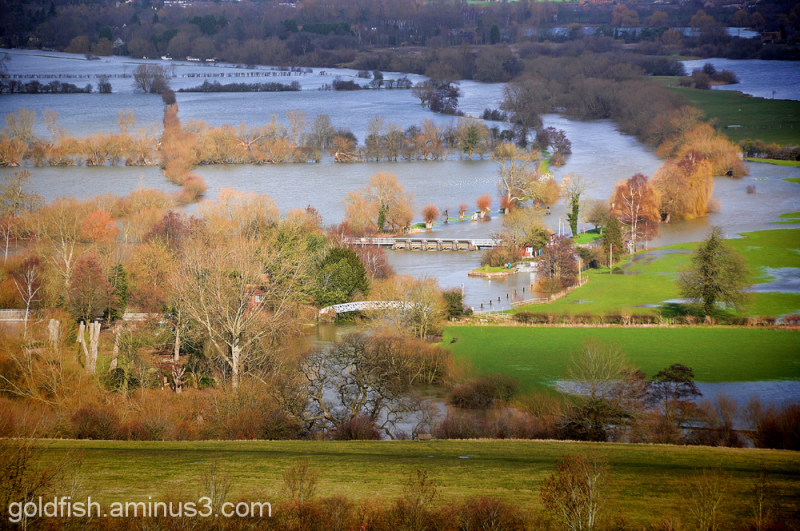 Thames Floodwater from Wittenham Clumps 2/2