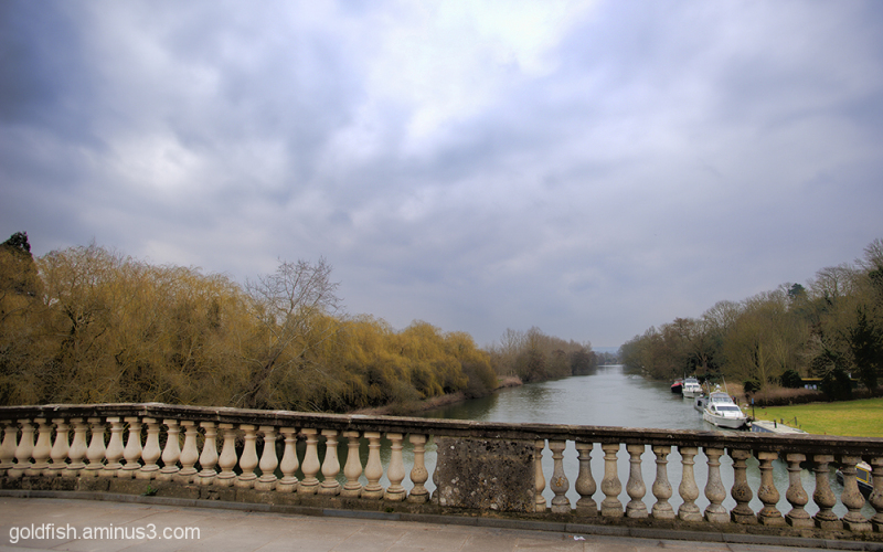 View From Shillingford Bridge 2/3