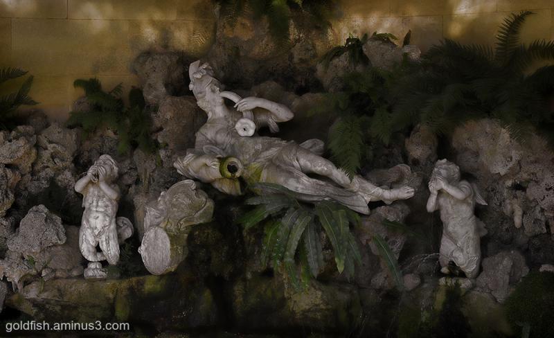 Waddeson Manor - The Aviary Fountain