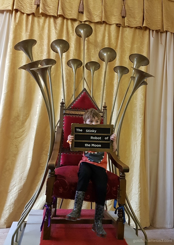 Story Throne