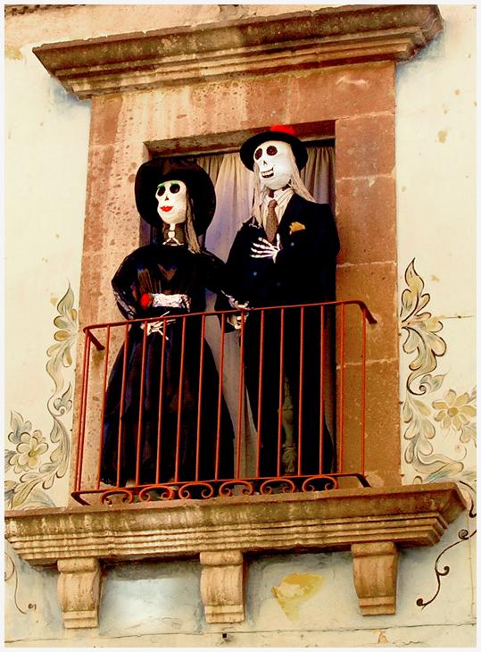 Señor y Señora Muertos